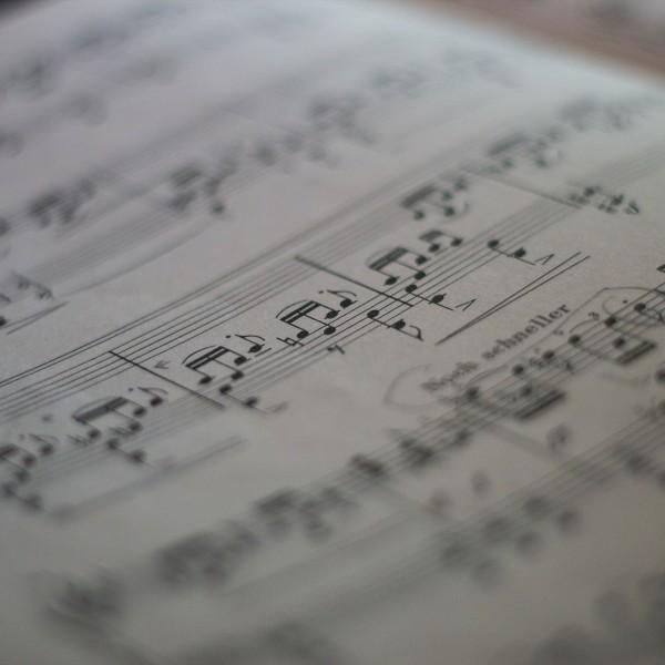 music-224007_1920