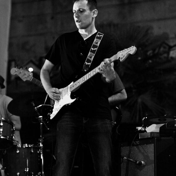 chitarra_corso_musica_cagliari